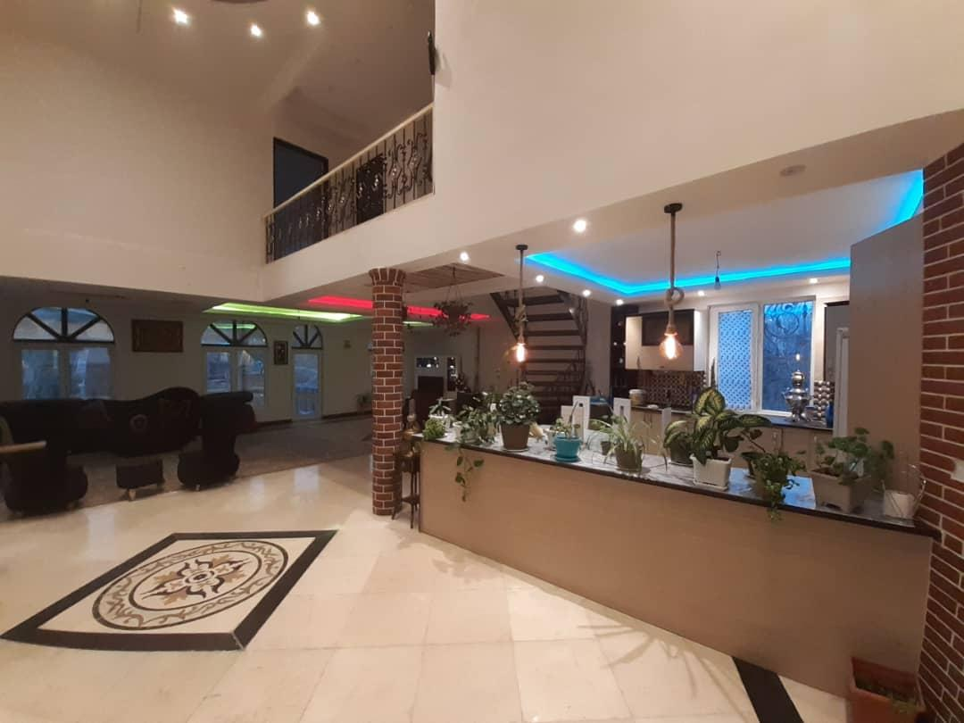 سالن و آشپزخانه