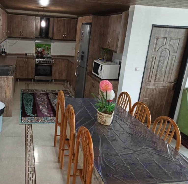 آشپزخانه و سرویس غذاخوری